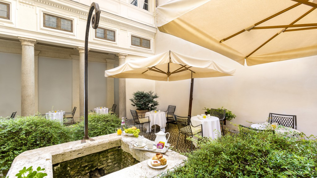 Hotel-Eitch-Borromini-Rome-breakfast-9301-2