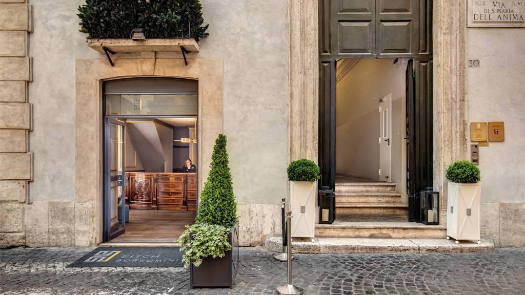 Hotel-Eitch-Borromini-Rome-entrance-2020-12