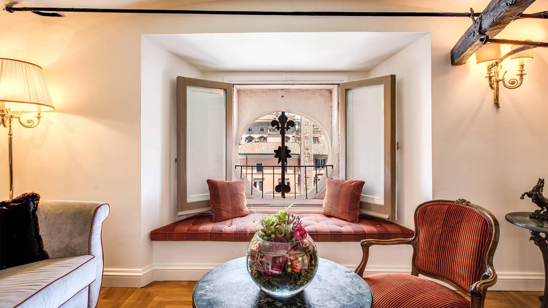 Hotel-Eitch-Borromini-Rome-301-Executive-Suite-4-new