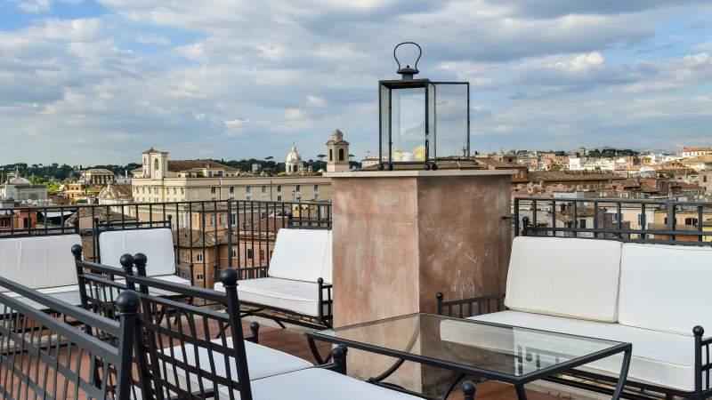 Hotel-Eitch-Borromini-Roma-navona-square-view-DSC-0166