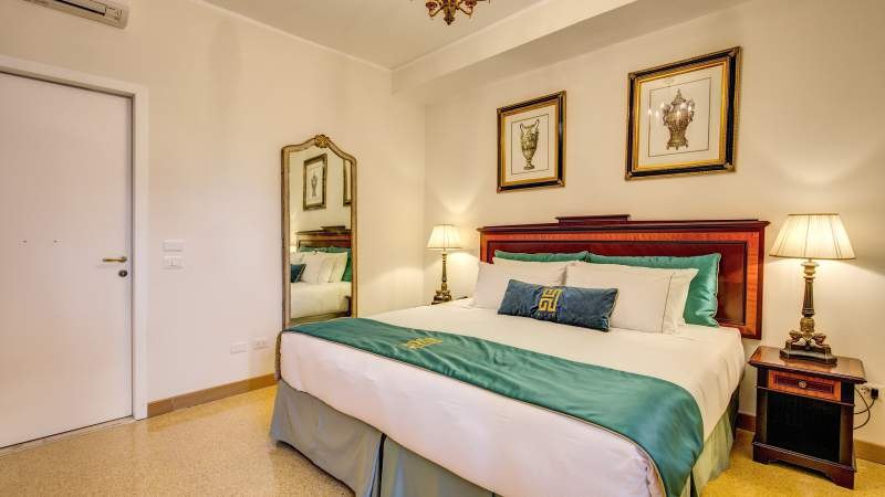 Hotel-Eitch-Borromini-Roma-superior-suite-54