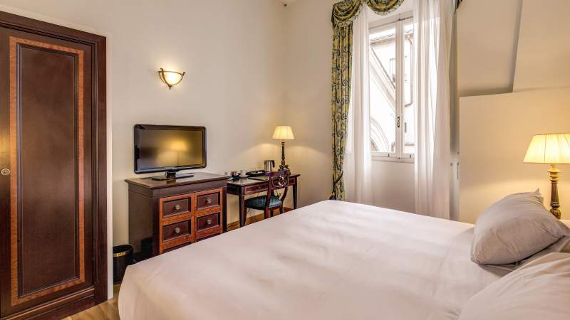 Hotel-Eitch-Borromini-Rome-suite-18
