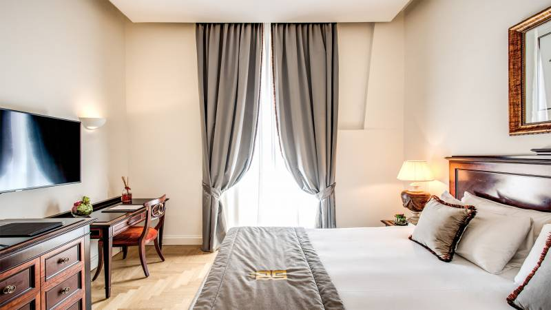 Hotel-Eitch-Borromini-Rome-301-Executive-Suite-2-new