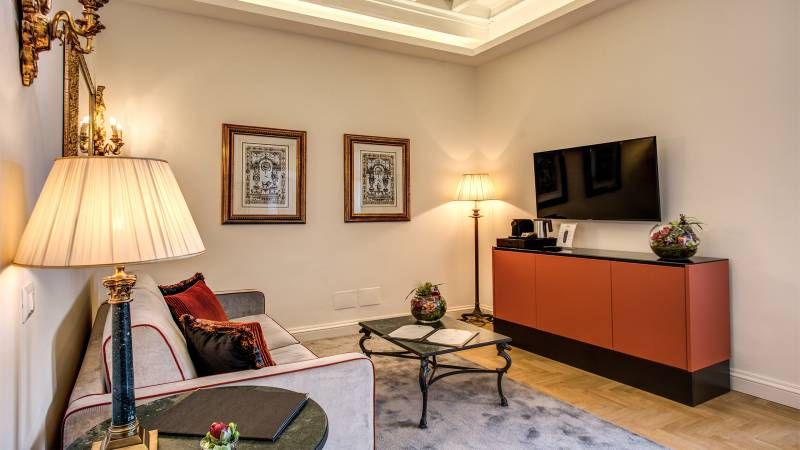 Hotel-Eitch-Borromini-Rome-double-suite-deluxe-view-2-new