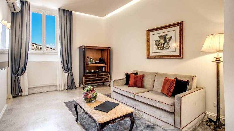 Eitch-Borromini-Roma-305-Executive-Suite-3-new