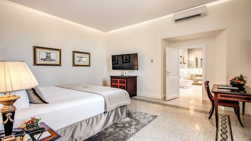 Hotel-Eitch-Borromini-Rome-executive-suite-view-4-new