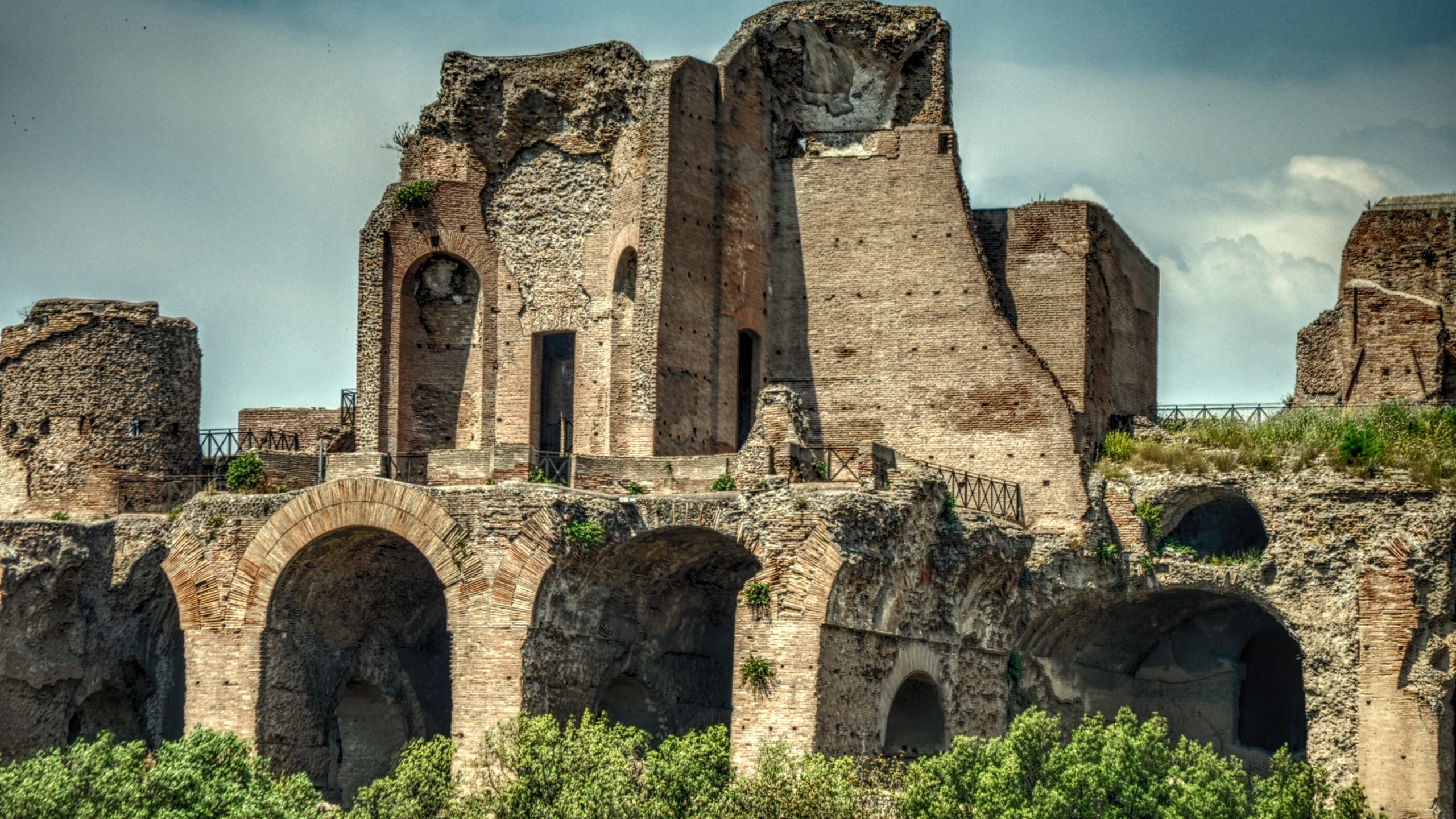 italian-building-italy-destroyed.jpg
